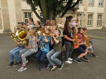Foto Jugendliche musizieren