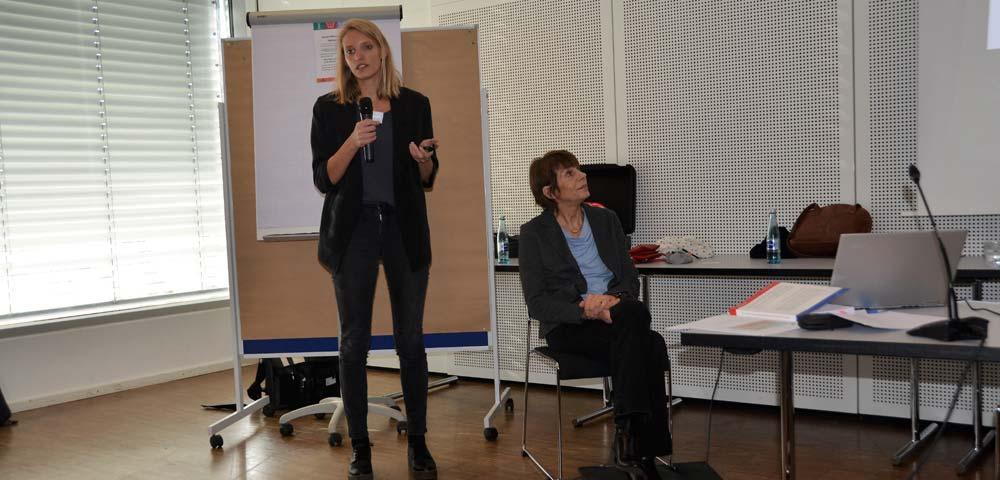 Gruppenbild links Lisa Schmidt, daneben Maria Kron
